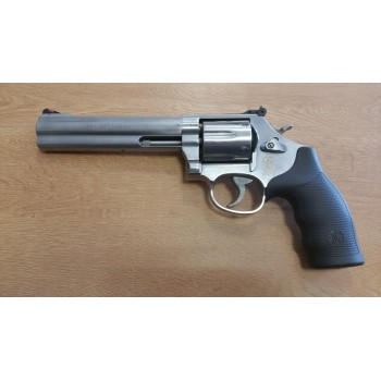 REVOLVER SMITH & WESSON 686 6""